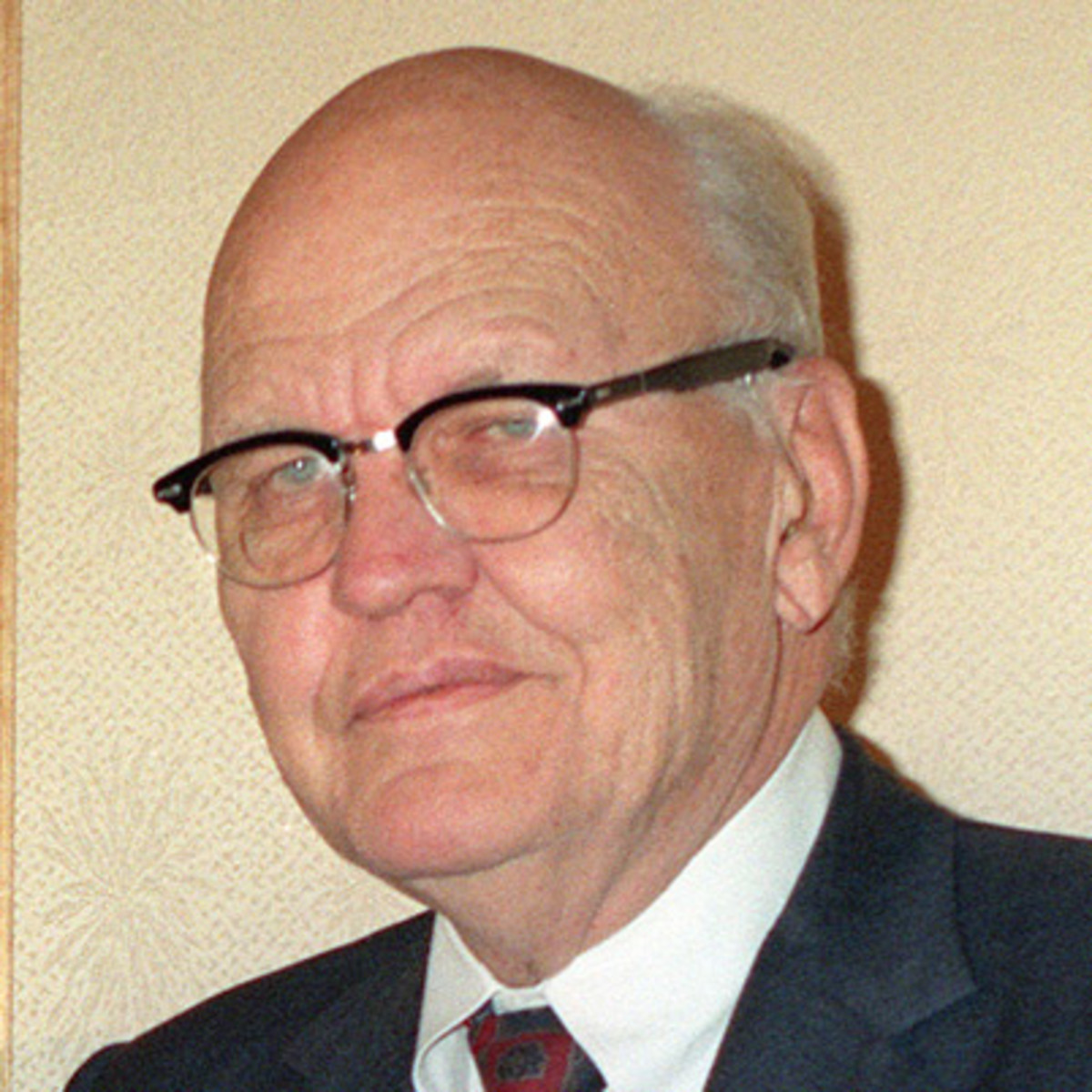 Jack Kilby - Engineer, Inventor - Biography.com