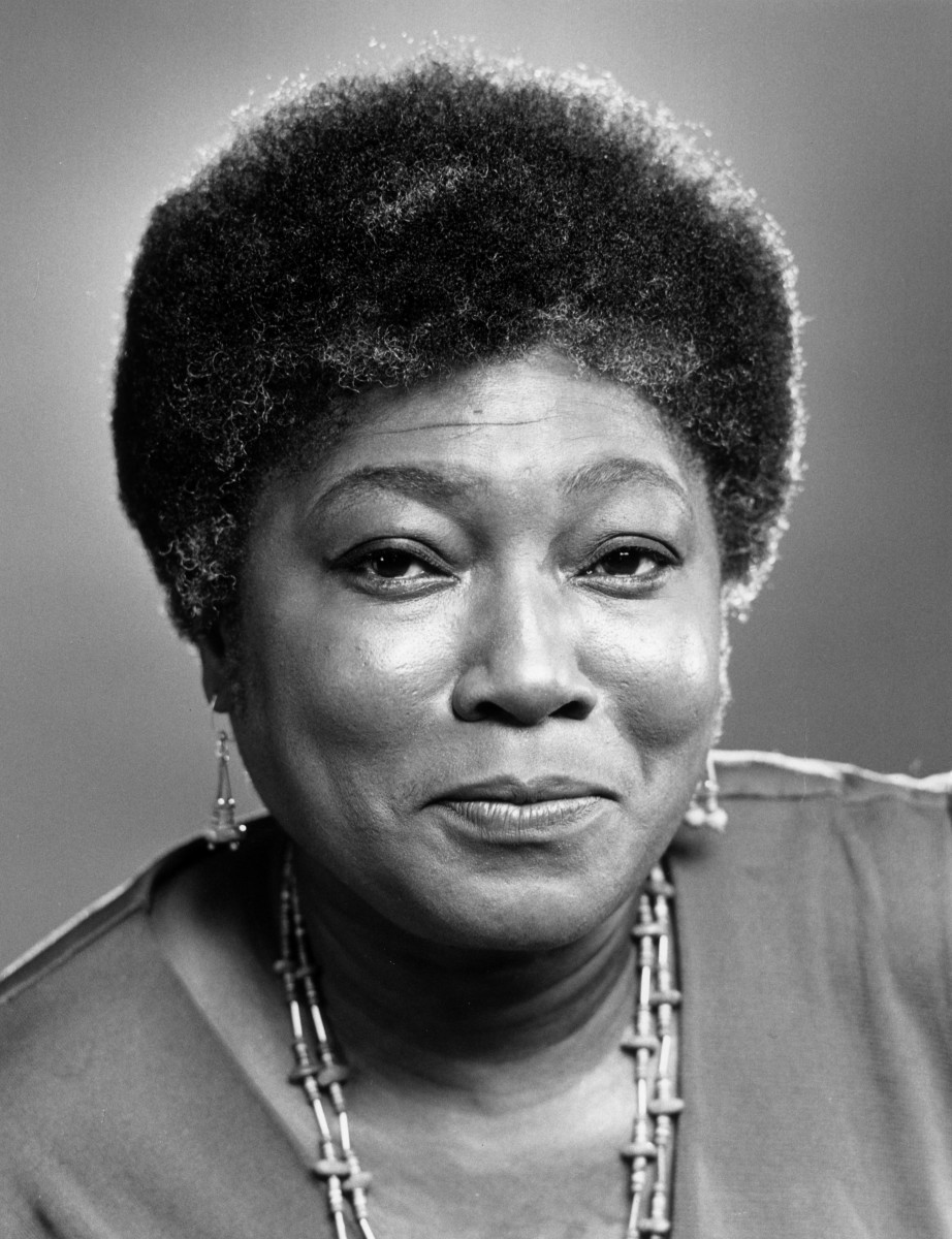 (Esther Rolle, who starred in the television comedy series 'Maude' and 'Good Times'. Photo: Hulton Archive / Getty Images)