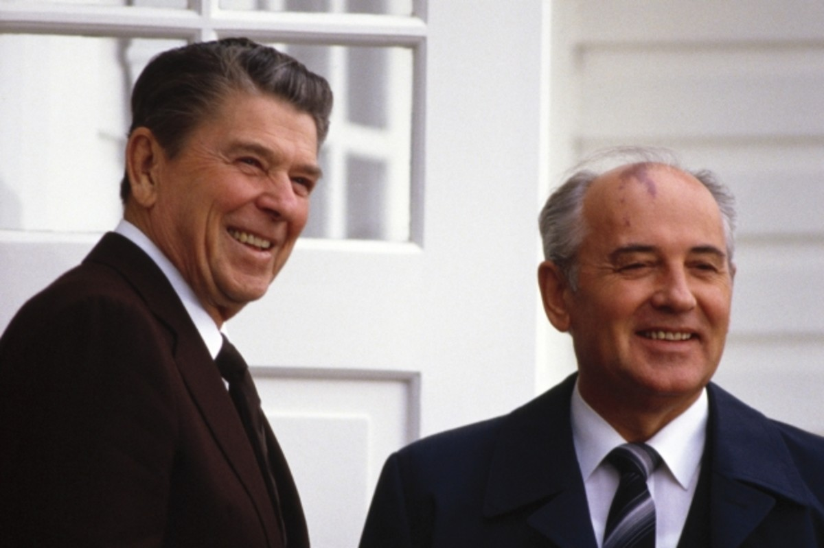 Reagan and Gorbachev in Iceland, October 1986. (Getty)