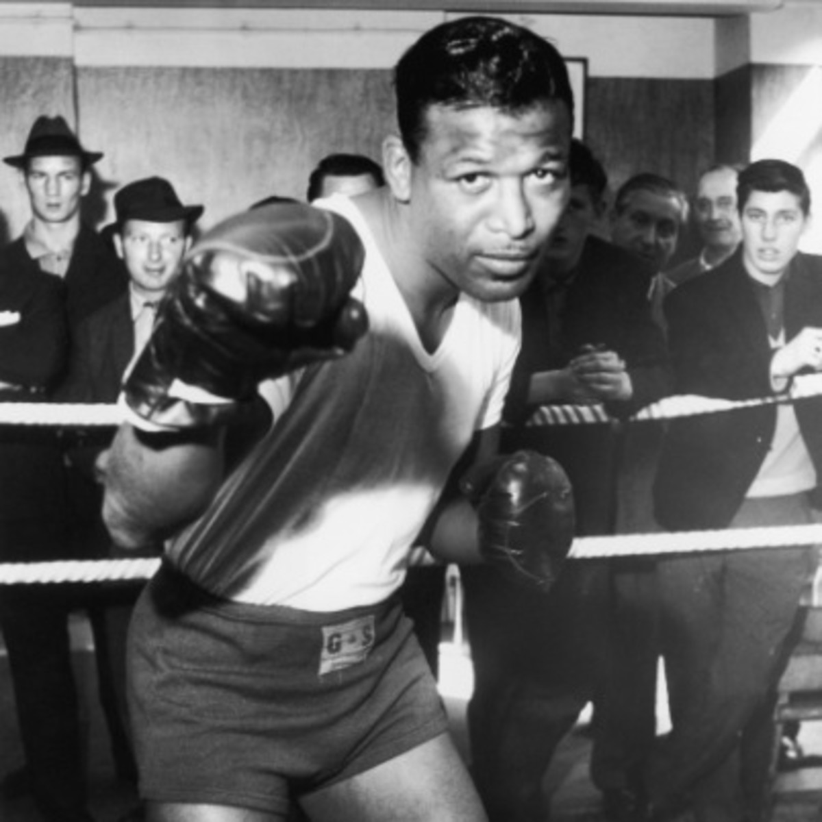 cb8d957ced1 Sugar Ray Robinson - Boxer - Biography