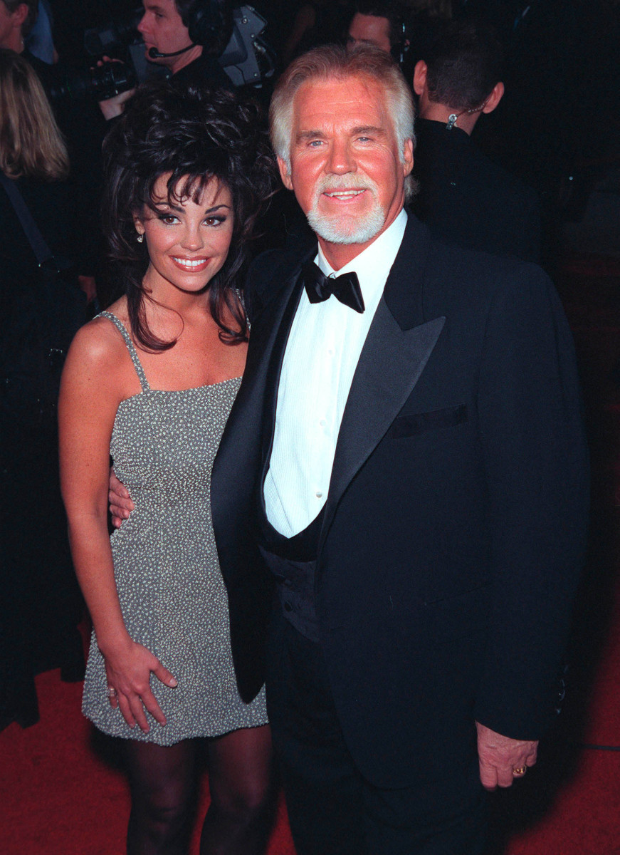 Kenny Rogers & Wife Wanda Photo