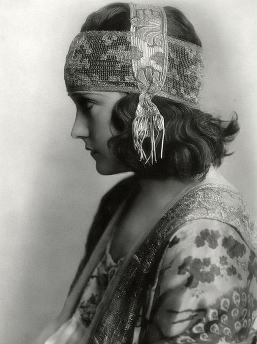 Gloria Swanson Photo
