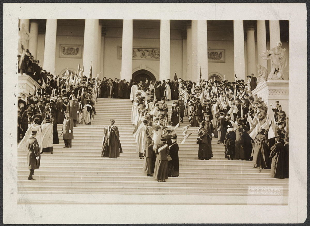 3005cce9eb4b Suffragettes Photo. Suffragettes and Envoys from San Francisco arriving ...