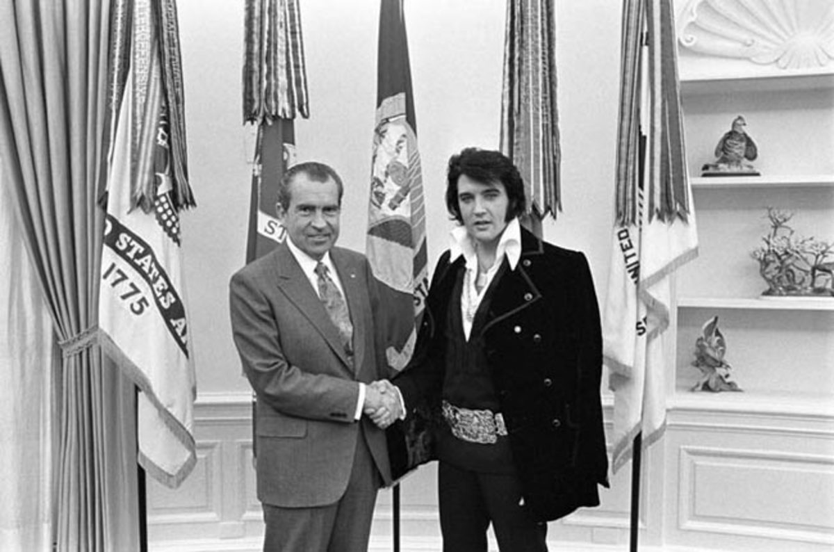 Richard Nixon and Elvis Presley Photo Ollie Atkins/National Archives