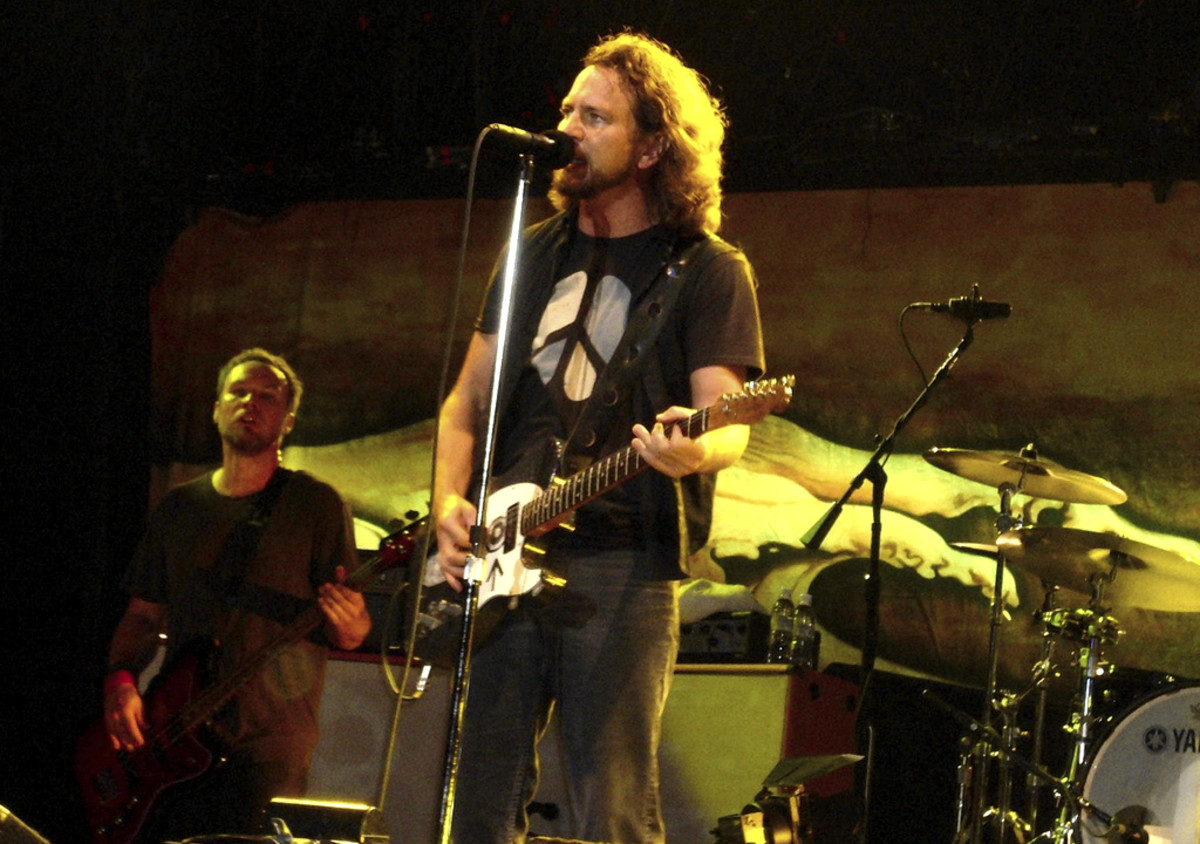 Eddie Vedder by Vazzz via Wikimedia Commons