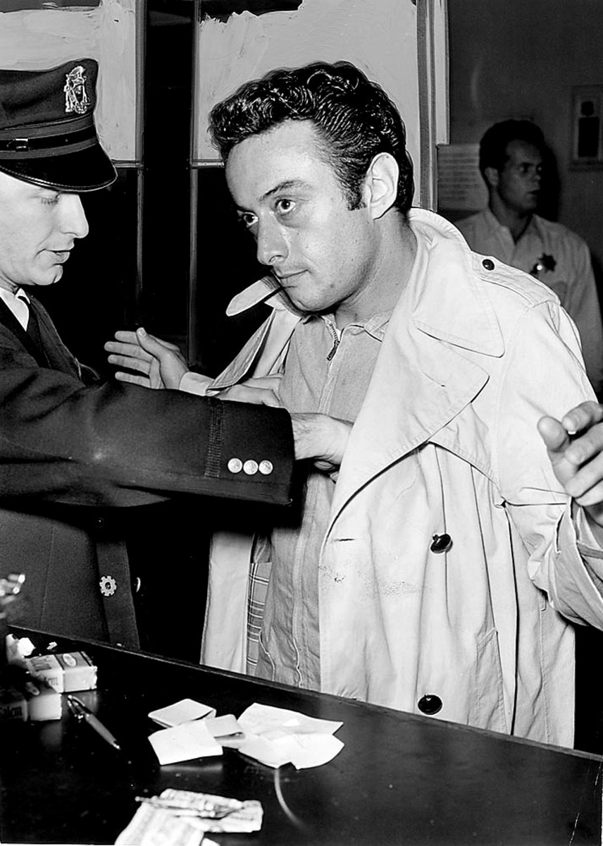 Lenny Bruce Arrest 1961 Photo By Examiner Press photo (RR Auctions) [Public domain], via Wikimedia Commons