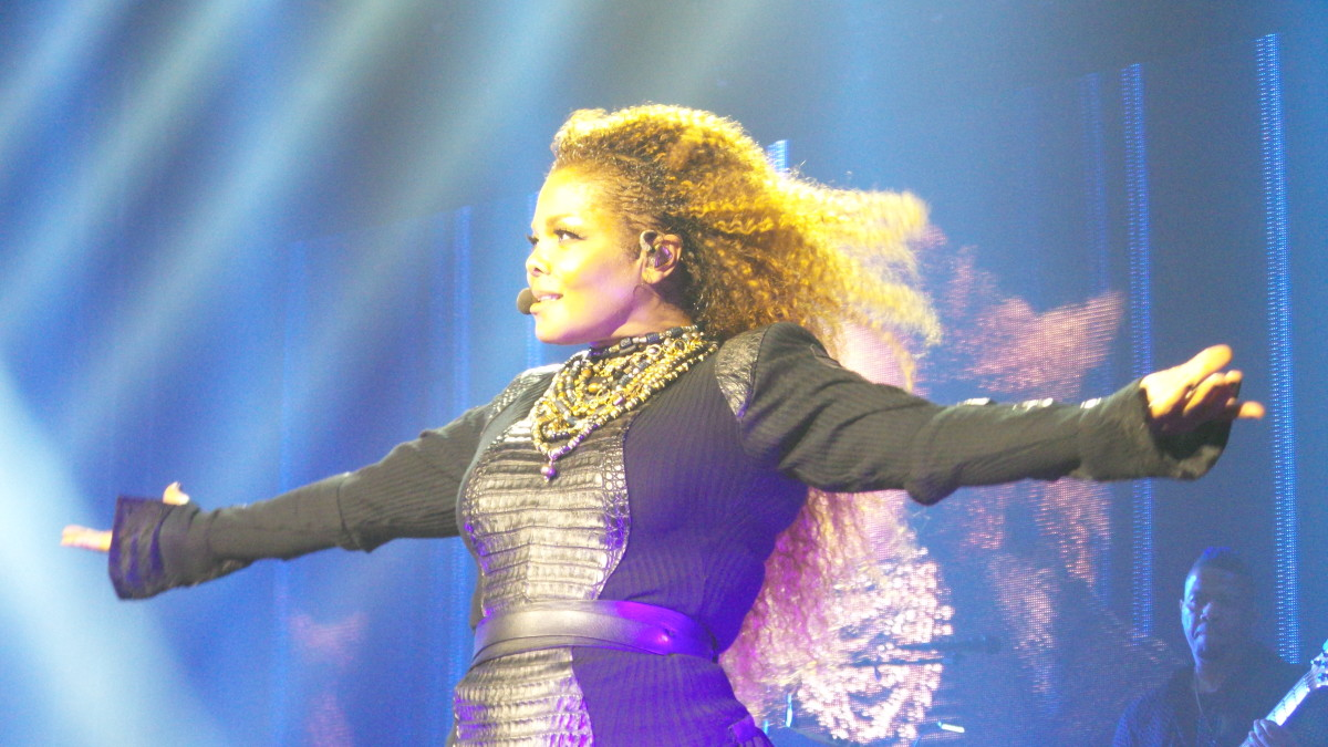 Janet Jackson Unreakable Tour 2015 Photo By J Vettorino via Wikimedia Commons