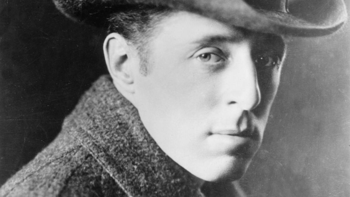 the films of d w griffith Dw griffith's the birth of a nation 100 years later:  griffith's film is estimated to have earned $18 million in its first few years — the astounding equivalent of $18 billion today.