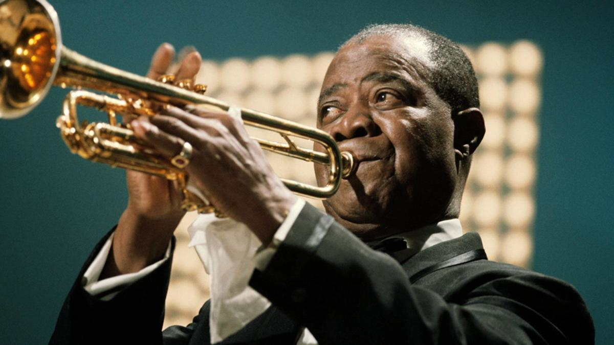 https://www.biography.com/.image/t_share/MTQ1MTM5ODgzNTIwODI4ODI0/louis-armstrong---mini-biography.jpg