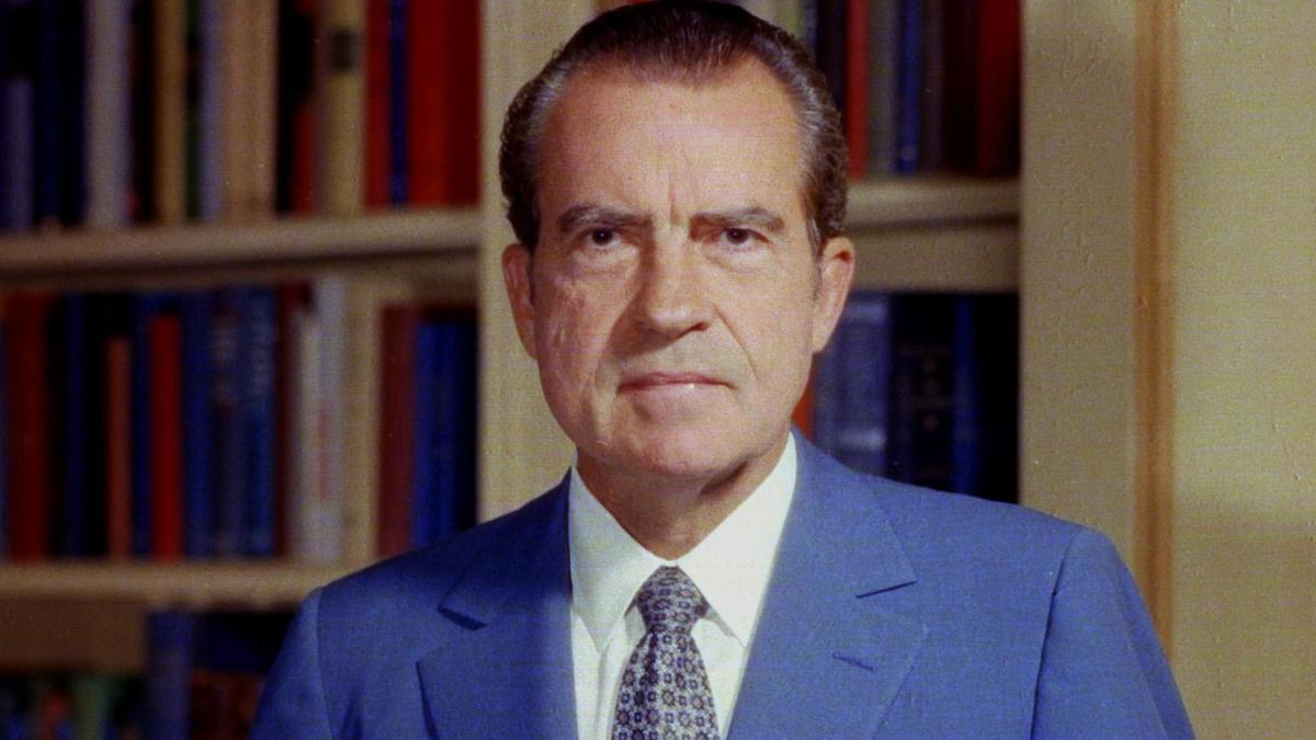 a biography of richard millhouse nixon president of the united states
