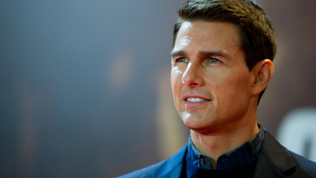 Tom Cruise - Mini Biog... Tom Cruise Age