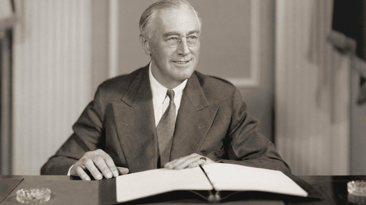 a short biography of franklin d roosevelt Biographycom highlights president franklin d roosevelt find out more about how he led the united states through the great depression and world war ii.