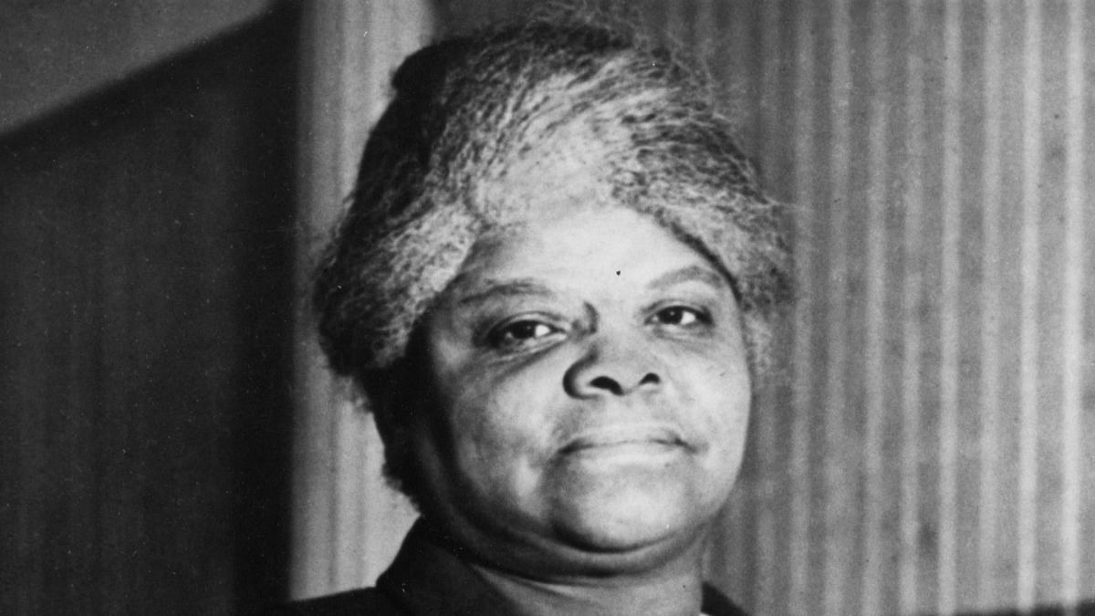 ida b wells vs booker t Web du bois, and ida b wells for the improvement of colored people in america and determines the most feasible actions (booker t washington vs web.