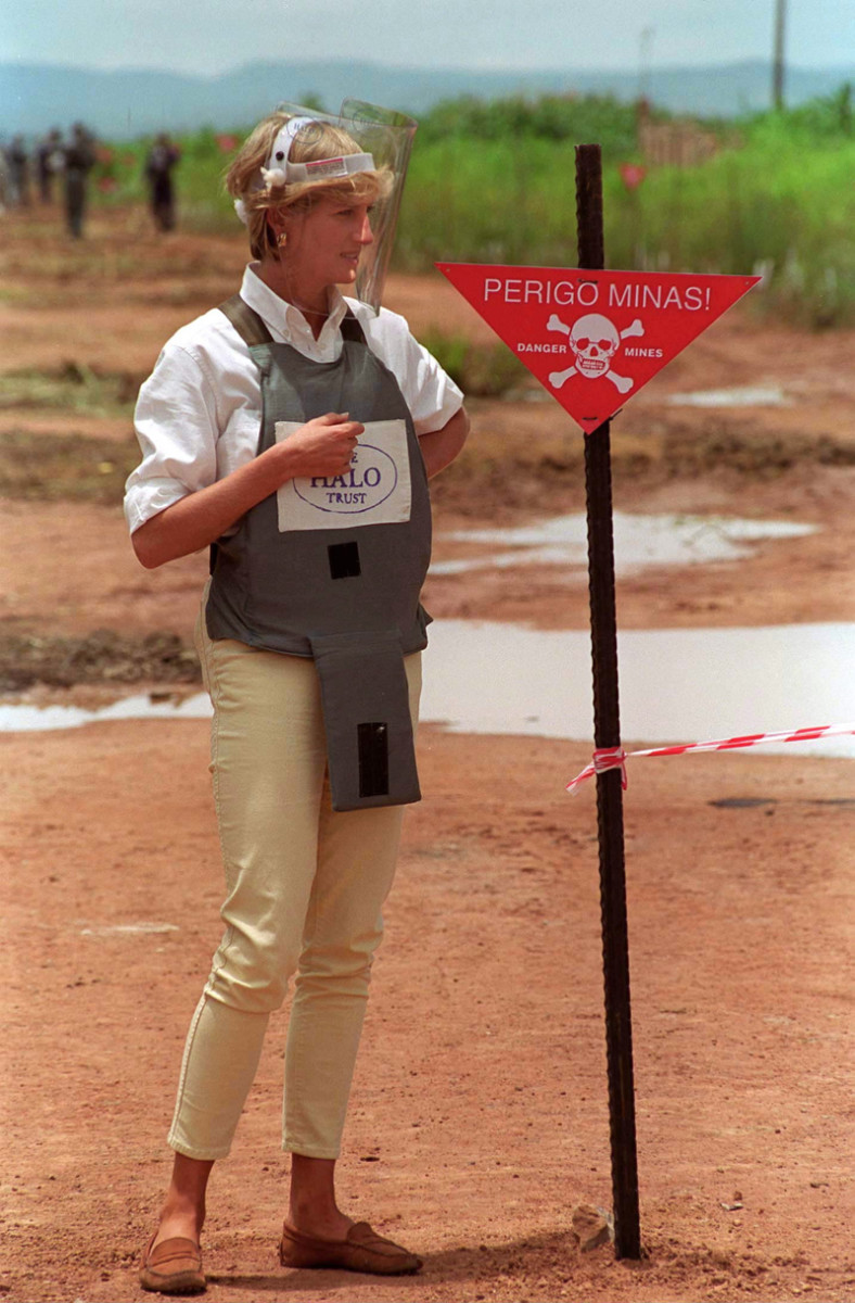 Princess Diana visits a landmine in Angola