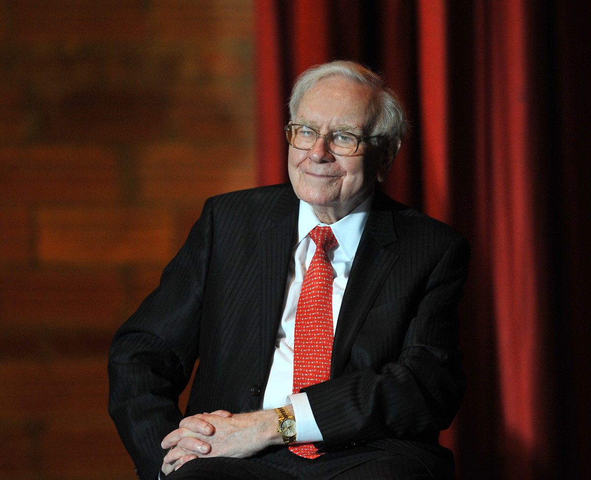 warren buffett business leader philanthropist com warren buffet photo by steve pope getty images