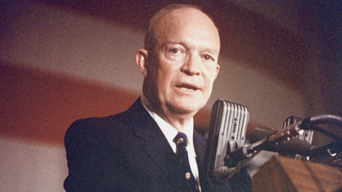 Dwight d eisenhower the 34th president of the united states dwight d eisenhower the 34th president of the united states biography publicscrutiny Image collections