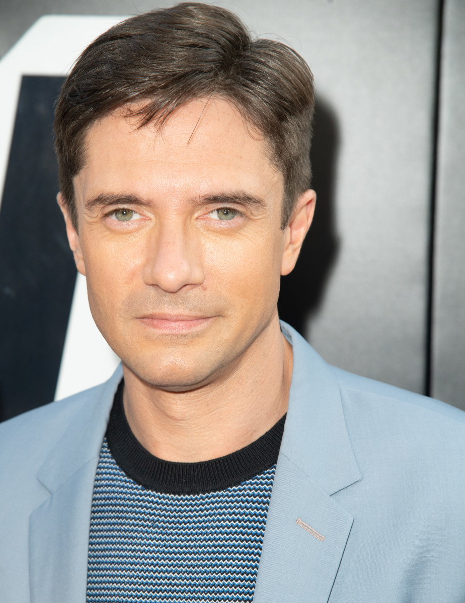 Topher grace fisting photos 70