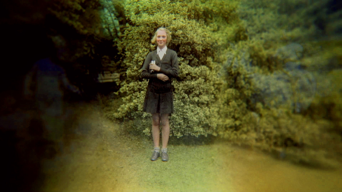 Young Jane Goodall Photo