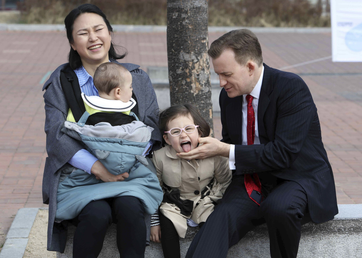 Cute Kids Disrupt BBC Interview Photo