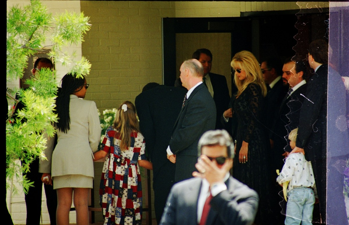 O.J. Simpson and children at Nicole Brown Simpson's Funeral