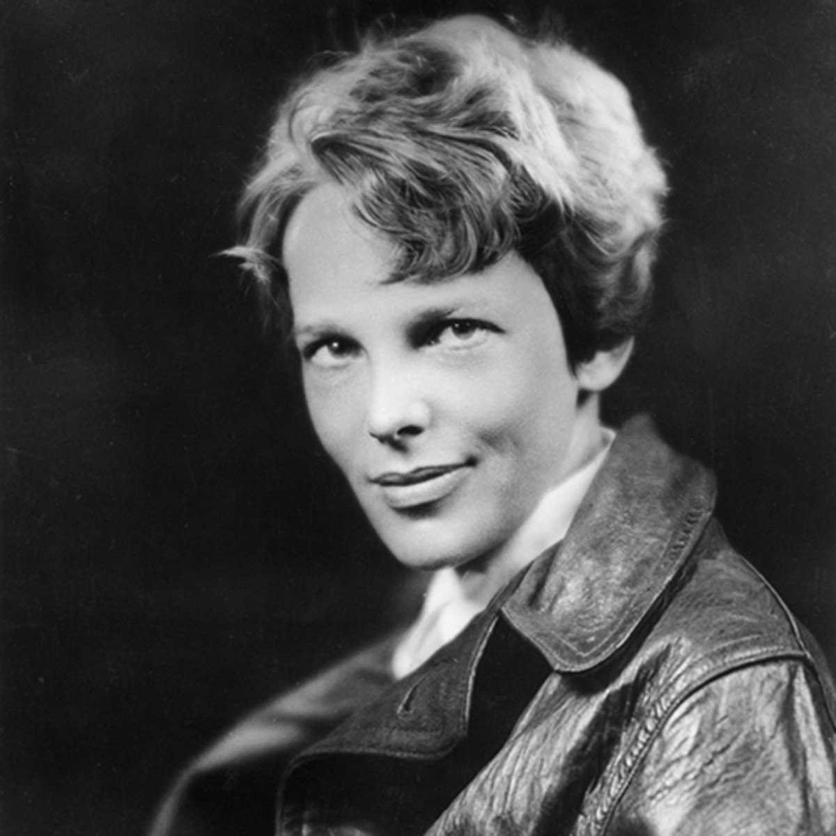 Amelia Earhart Disappearance, Quotes & Plane Biography