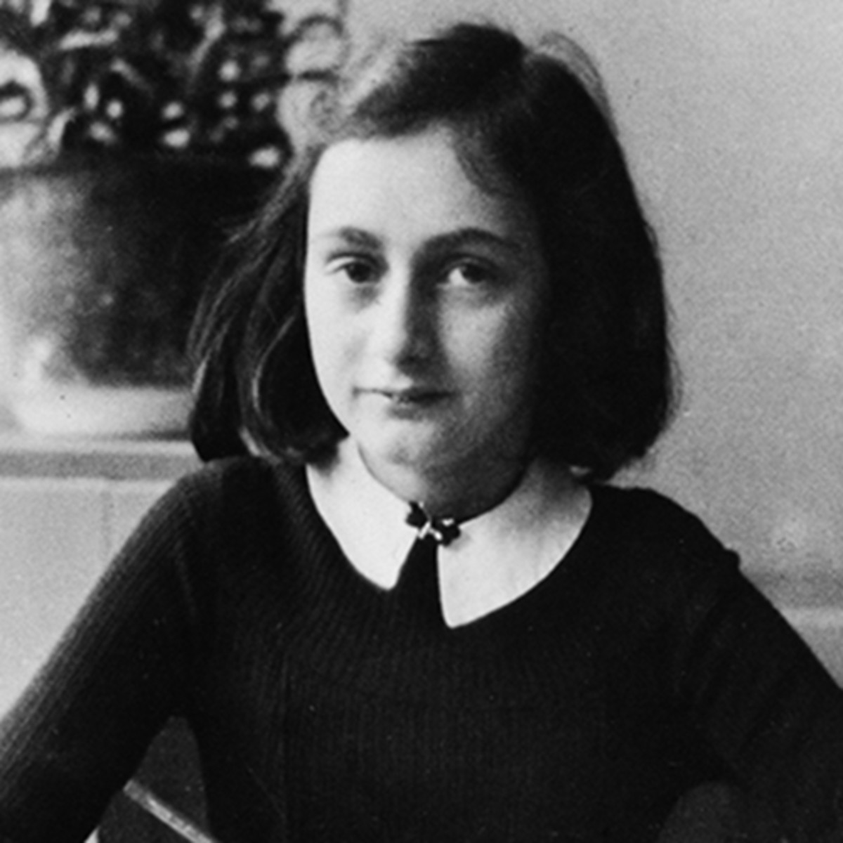 Anne Frank - Diary, Quotes & Family - Biography