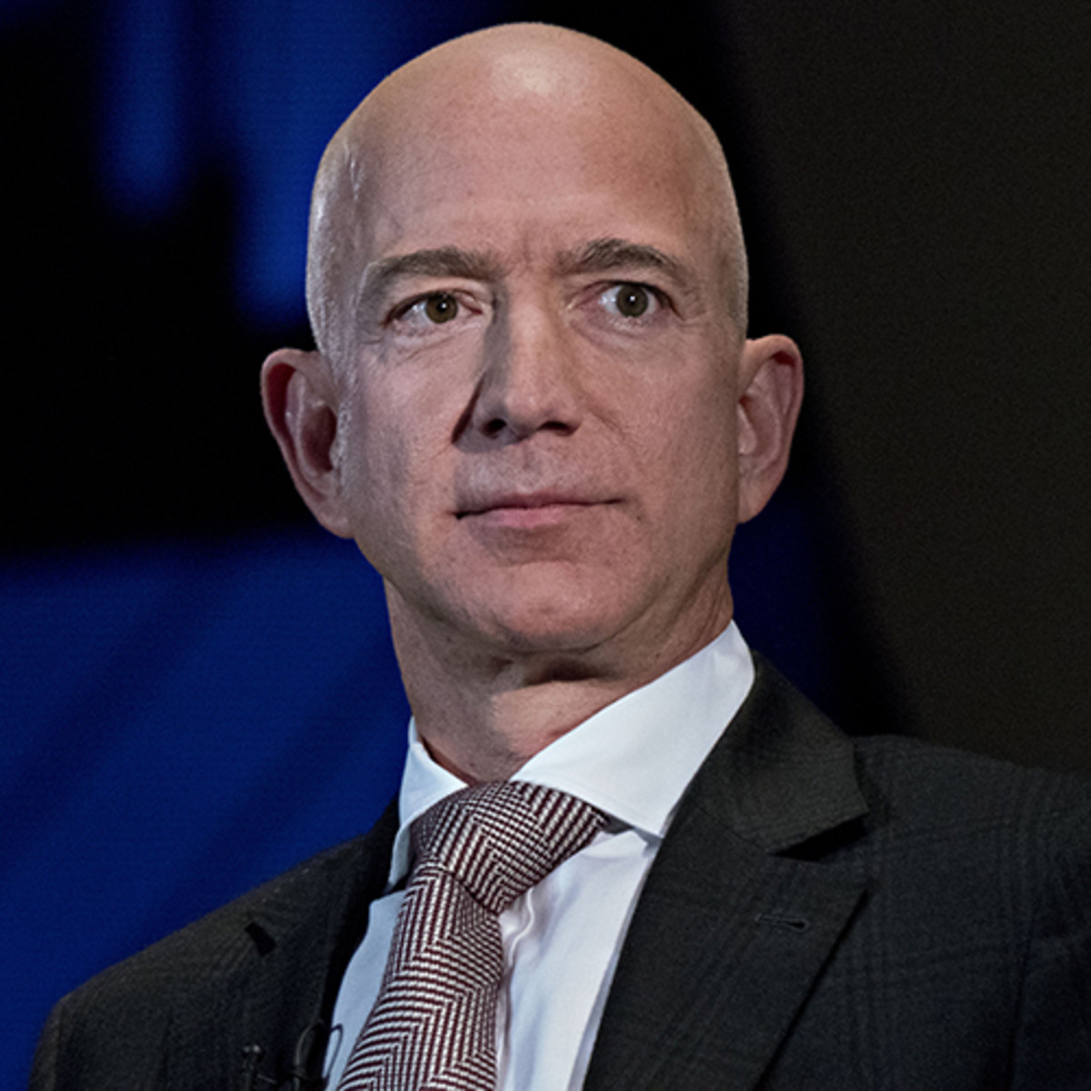 Amazon's Jeff Bezos Admits Not Enough Masks For Staff, Praises Workers – Deadline