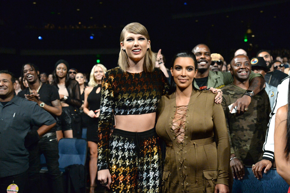 Taylor Swift and Kim Kardashian West attend the 2015 MTV Video Music Awards at Microsoft Theater on August 30, 2015 in Los Angeles, California