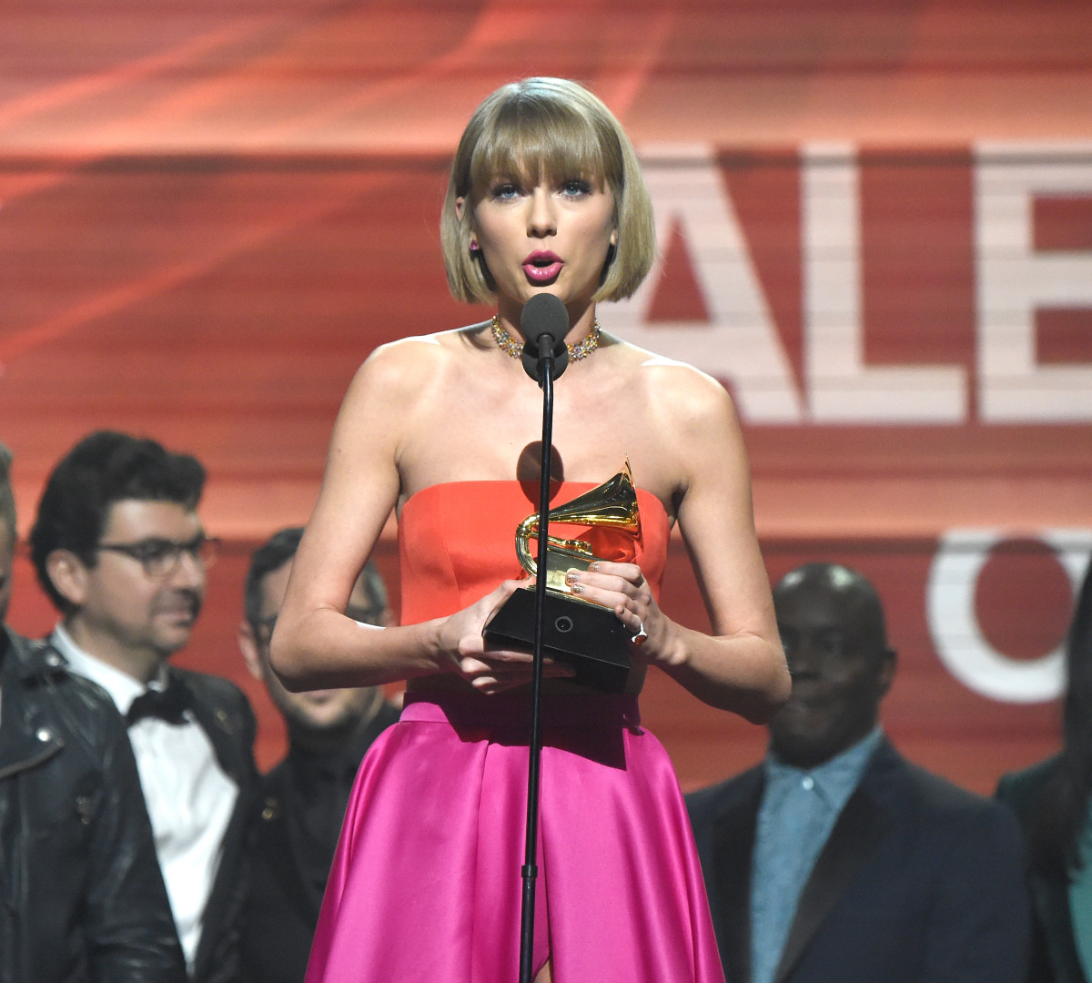 Taylor Swift accepts award onstage during The 58th GRAMMY Awards at Staples Center on February 15, 2016 in Los Angeles, California.