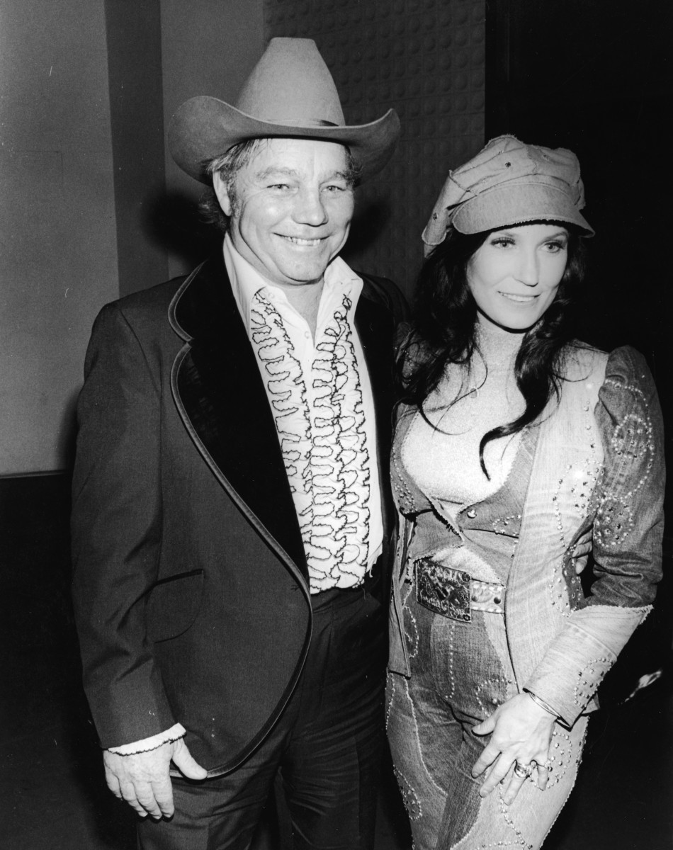 Loretta and Doo Lynn at the Country & Western Music Awards, Hollywood, California, February 27, 1975.