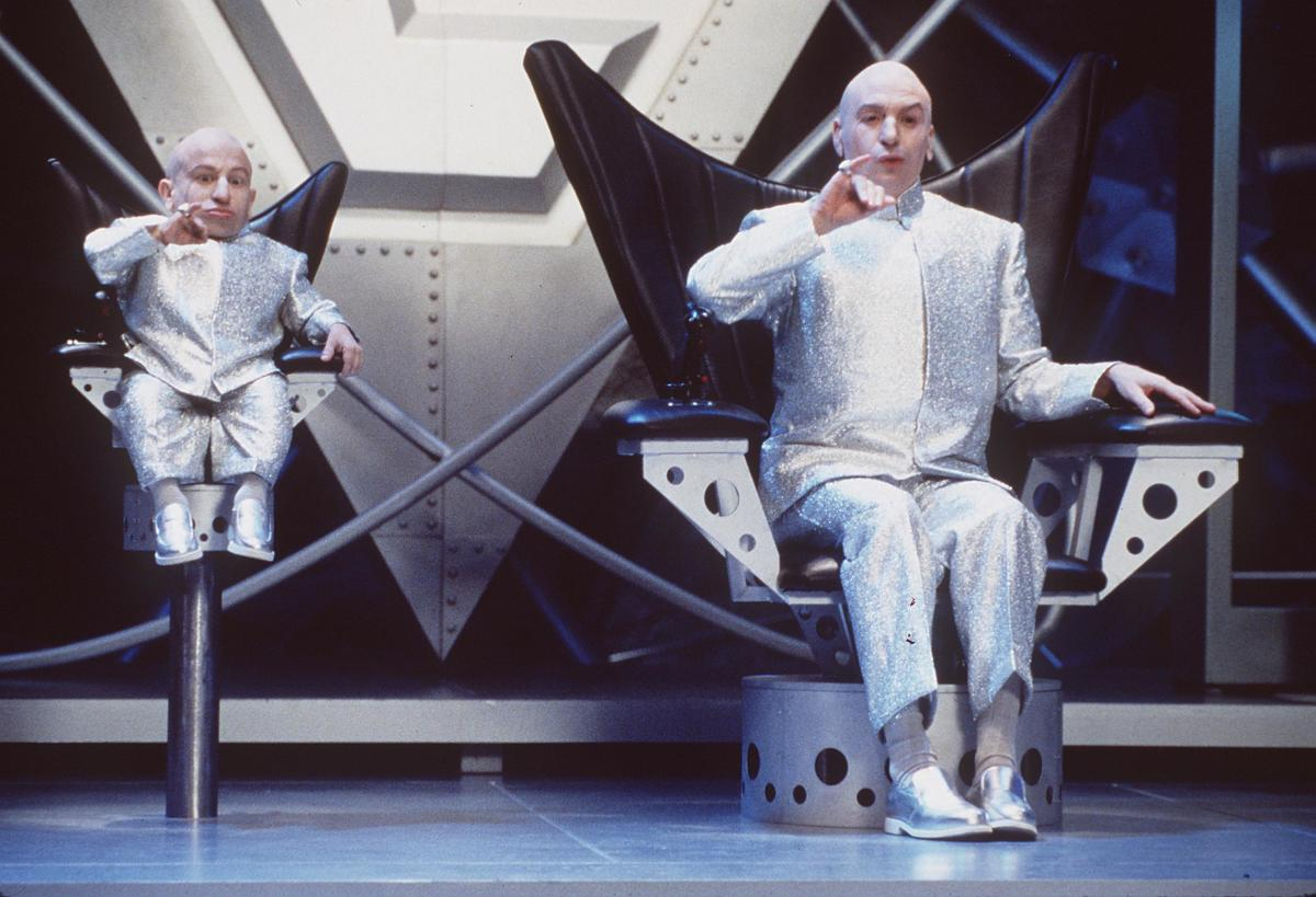 Verne Troyer in Austin Powers: The Spy Who Shagged Me
