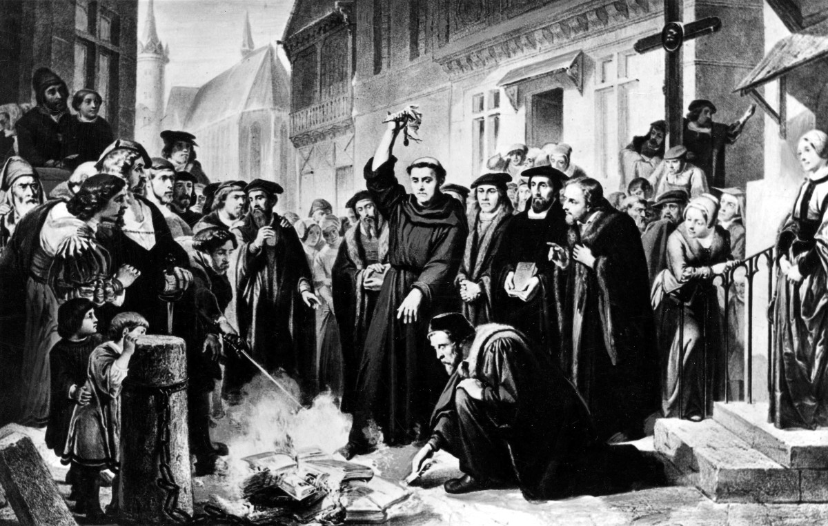 German Religious revolutionary and leader of the Protestant reformation Martin Luther burning the Papal Bull