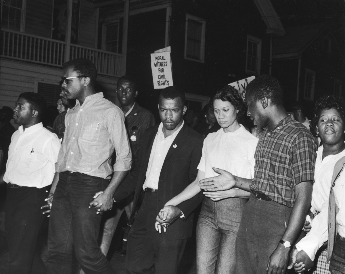 John Lewis (third left) and Gloria Richardson (third right)