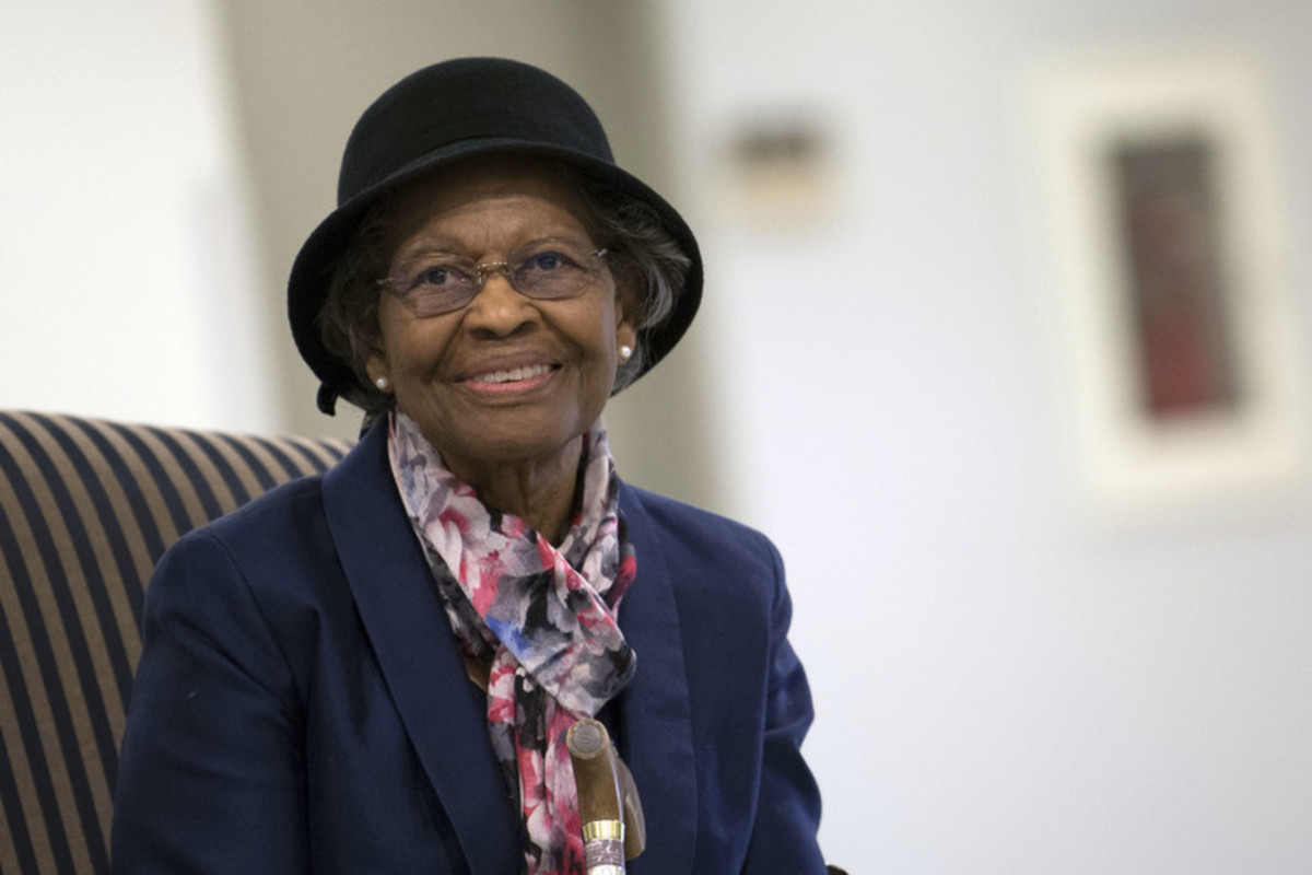 dr_gladys_west_hall_of_fame.jpg?profile=RESIZE_710x