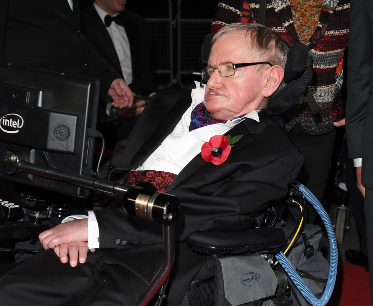 Stephen Hawking attends the Pride Of Britain Awards at The Grosvenor House Hotel on October 31, 2016 in London, England
