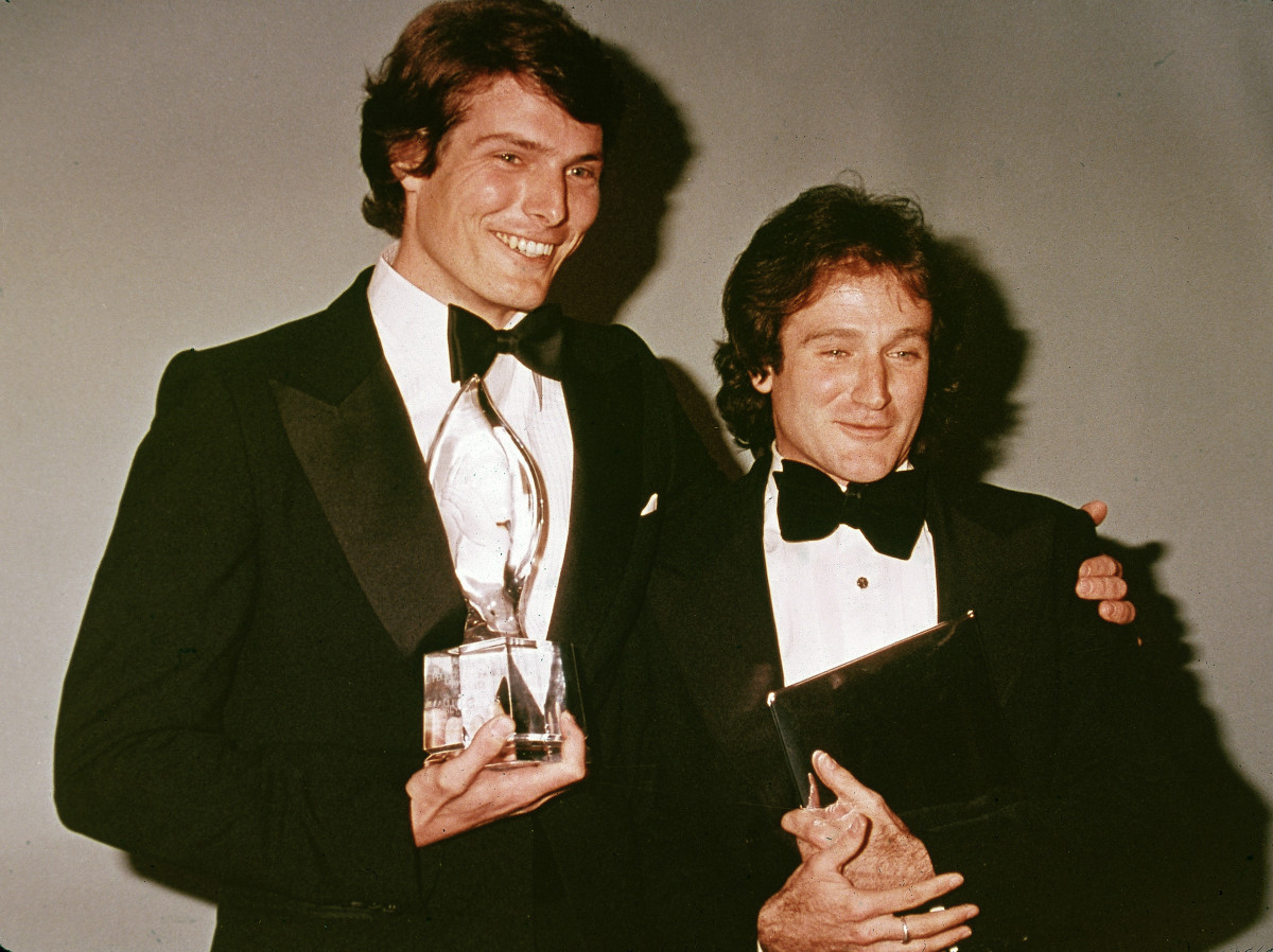 Christopher Reeve and Robin Williams pose backstage at the People's Choice Awards