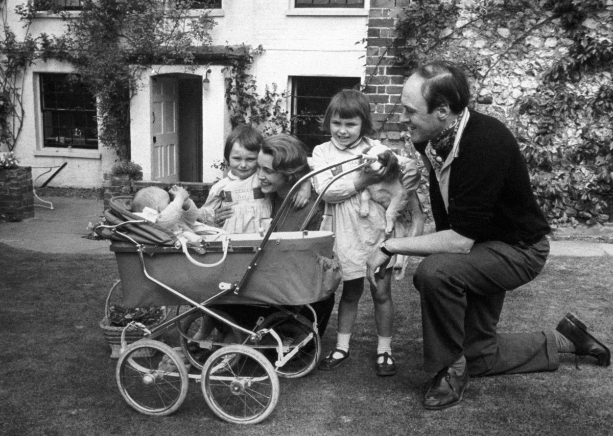 Roald Dahl with his family: (L-R) son Theo, daughter Tessa, wife Patricia and daughter Olivia