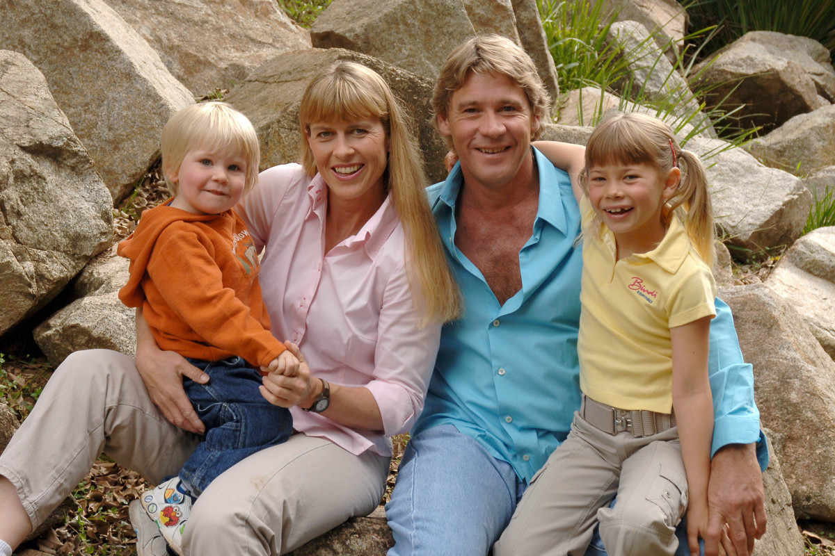 The Irwin family at the Australia Zoo in June 2006