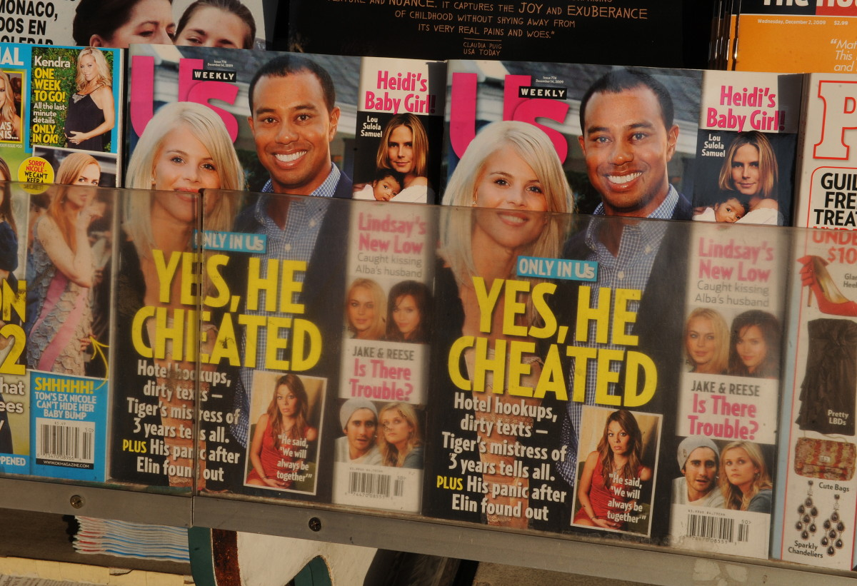 The cover of Us Weekly magazine featuring the story on Tiger Woods in December 2019