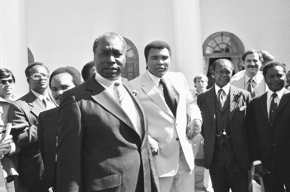 Muhammad Ali and Kenyan President Daniel Arap Moi at the State House in Nairobi, Kenya on February 5, 1980