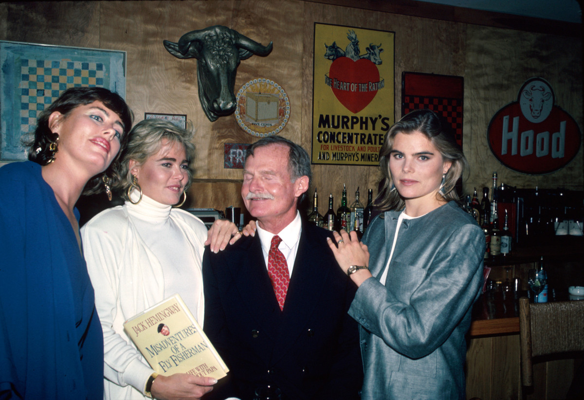 Writer Jack Hemingway with daughters (L-R) Muffet, Margaux and Mariel, 1986
