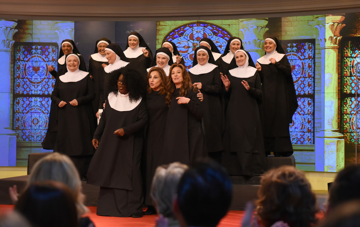 """Members of the cast of """"Sister Act,"""" including (front, L-R) Whoopi Goldberg, Kathy Najimy and Wendy Makkena, reunite to celebrate the movie's 25th anniversary on """"The View,"""" September 14, 2017"""